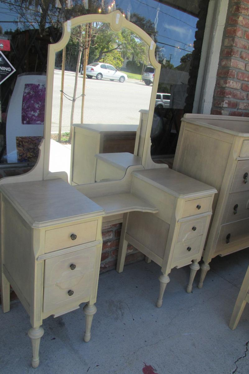 Wood dressers and vanity set